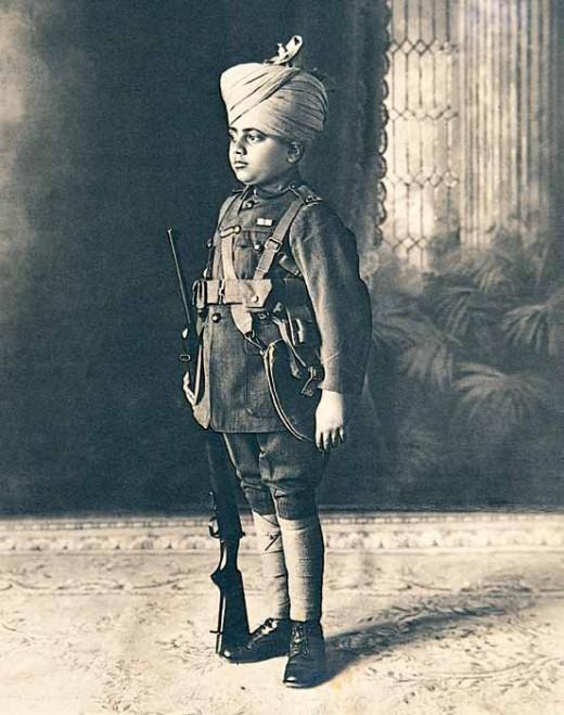 https://theibtaurisblog.files.wordpress.com/2012/05/prince-jiwaji-rao-scindia-1916-1961-of-gwalior-c-1920-520x659.jpg