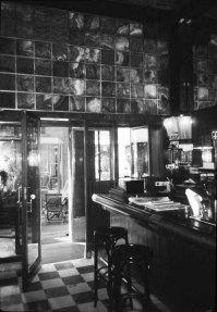Kärtner (or American) Bar