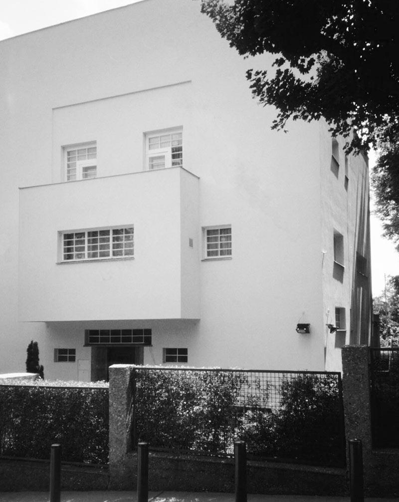 Moller house model