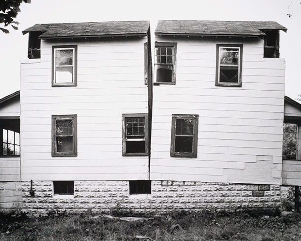 Gordon Matta-Clark, Splitting and the Unmade House